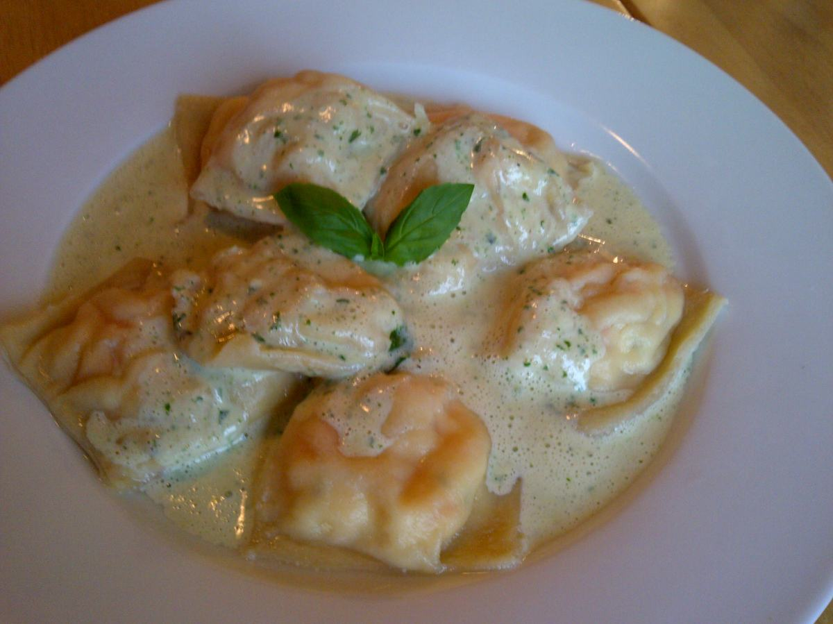 Prawn ravioli with creamy basil sauce